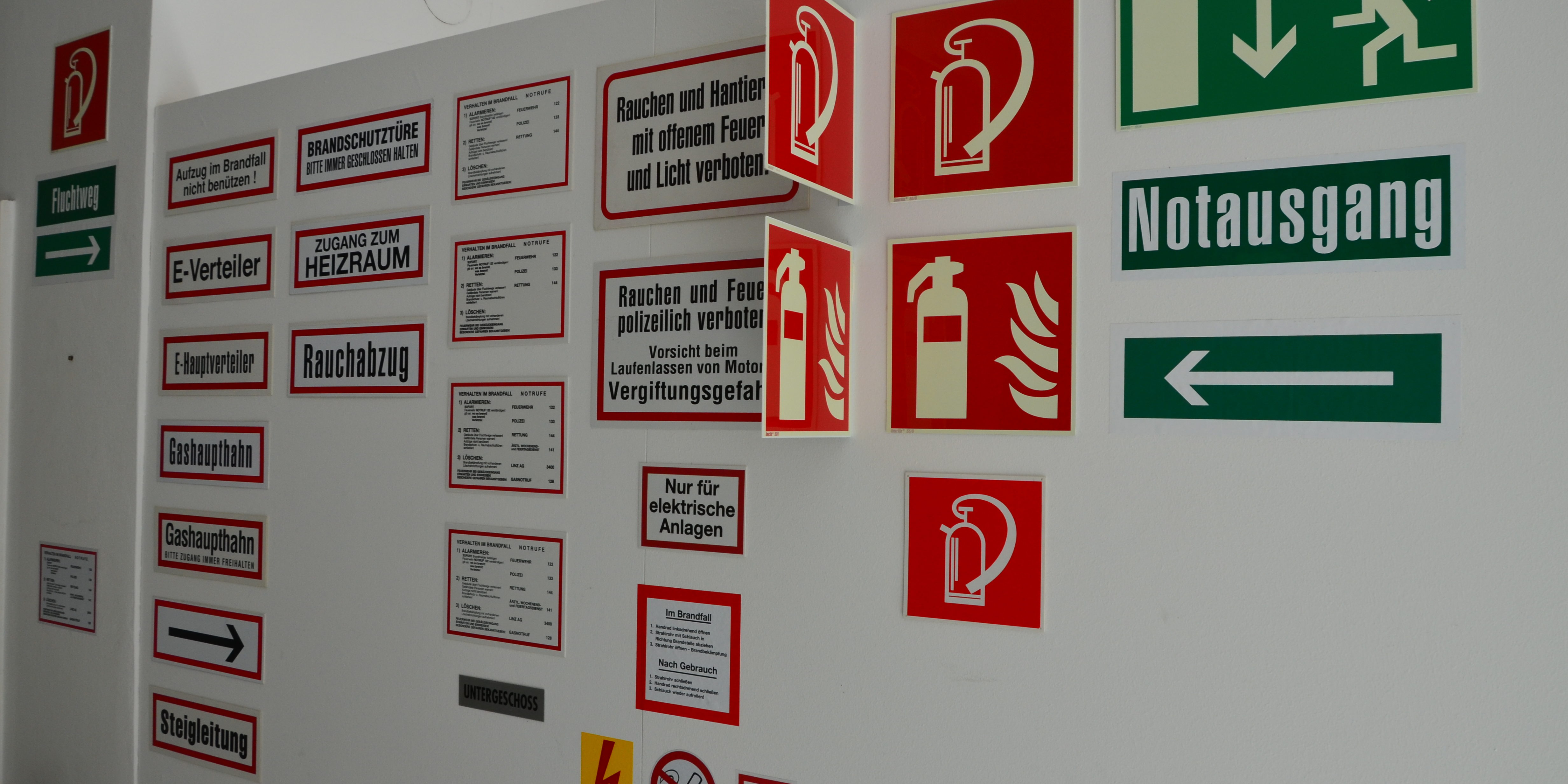 Feuerschutz Schilder Symbole Blesberger